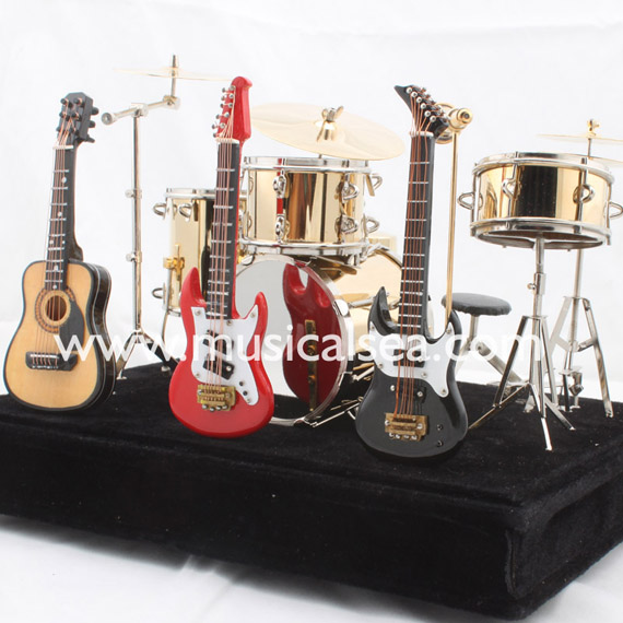 Miniature Drum set