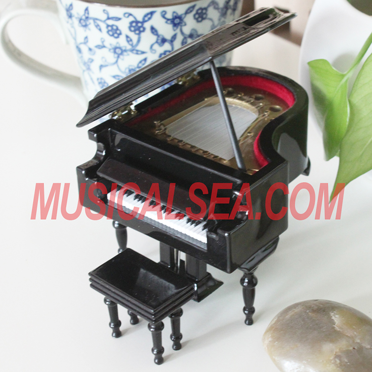 Miniature wooden piano musical