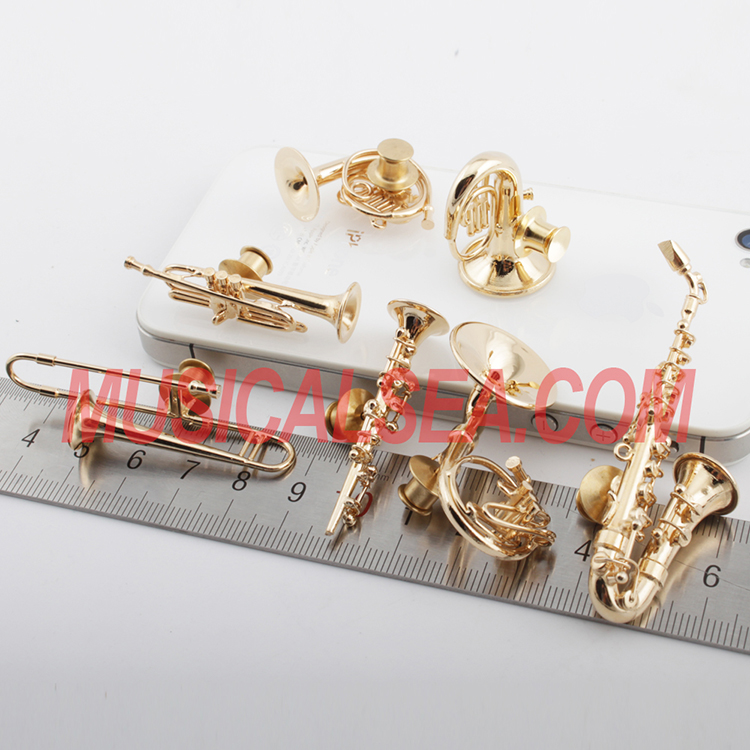 music them brooch