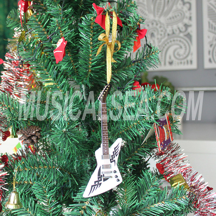 Miniature guitar shape christmas tree ornamen