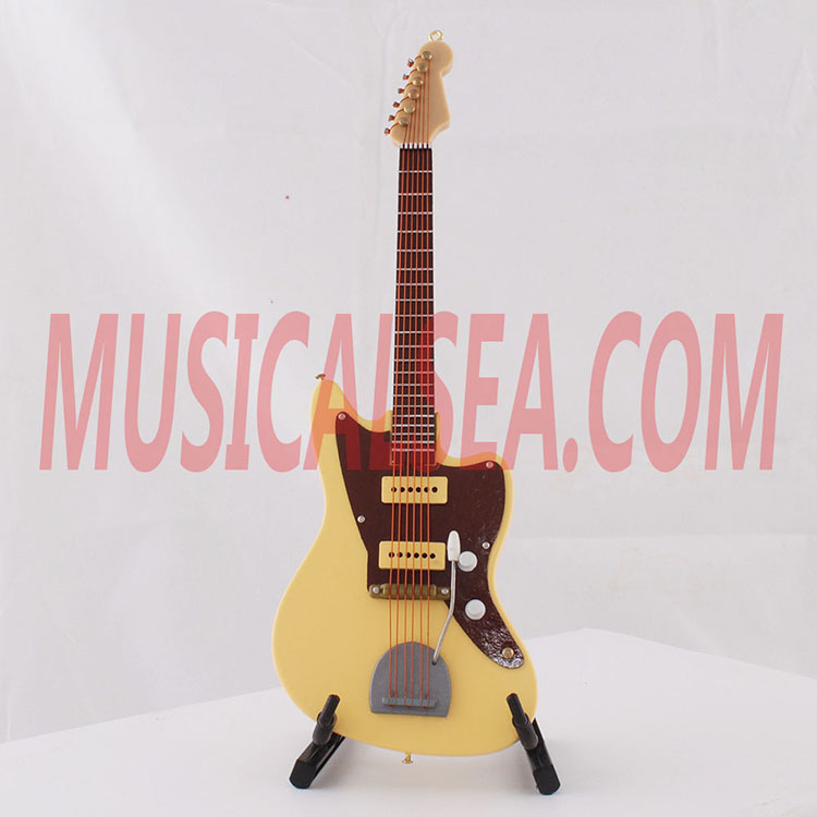 2016 hot sale miniature guitar toy wooden gif